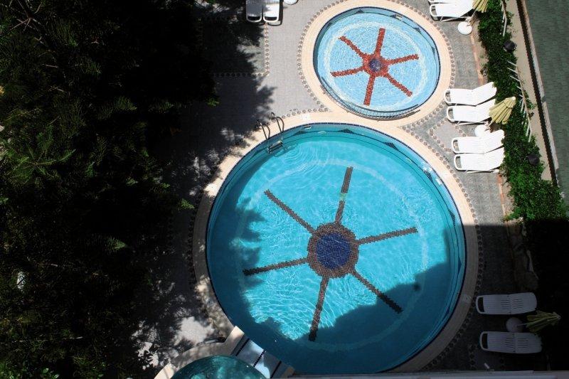 Sun Beach Pool