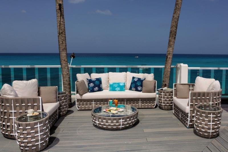 Waves Hotel & Spa by Elegant Hotels Terrasse