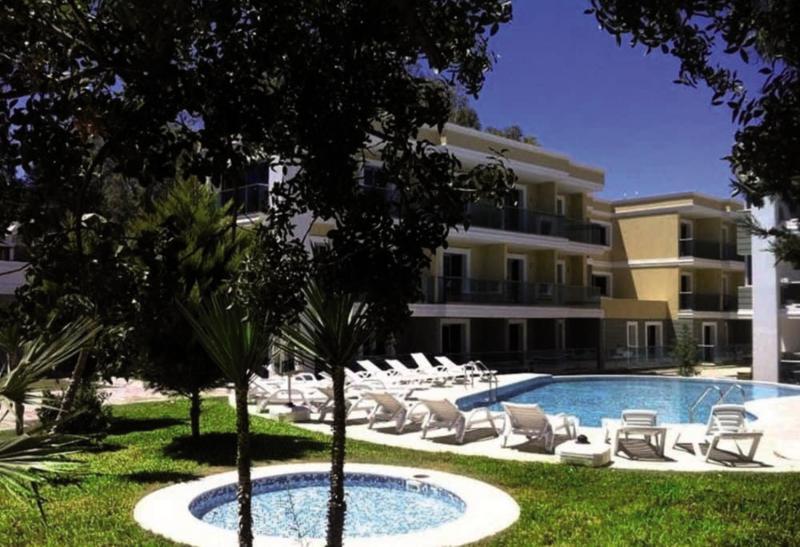 Breeze Beach Hotel  Pool