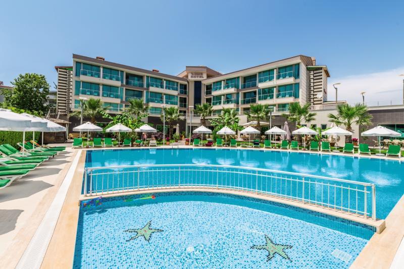 Löwe Hotel Pool