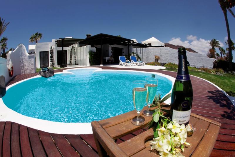 Villas Kamezi Pool