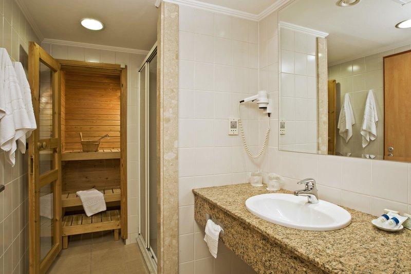 Danubius Health Spa Resort Helia Badezimmer