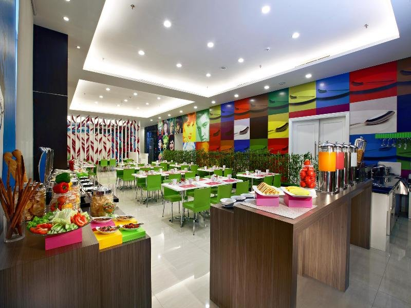 favehotel Zainul Arifin Gajah Mada Restaurant