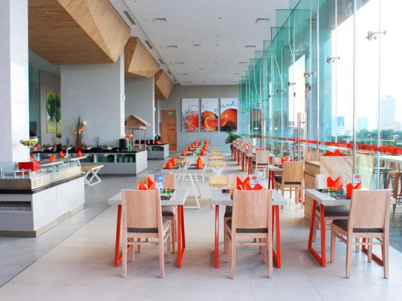 HARRIS Hotel & Conventions Gubeng Surabaya Restaurant