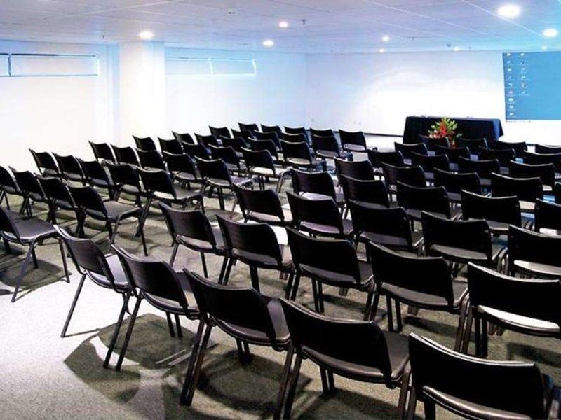 Ritz Suites Konferenzraum