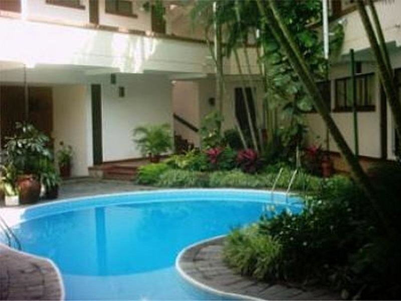 Las Palmas Pool