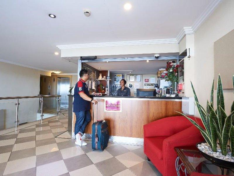 Waldorf Randwick Serviced Apartments Bar