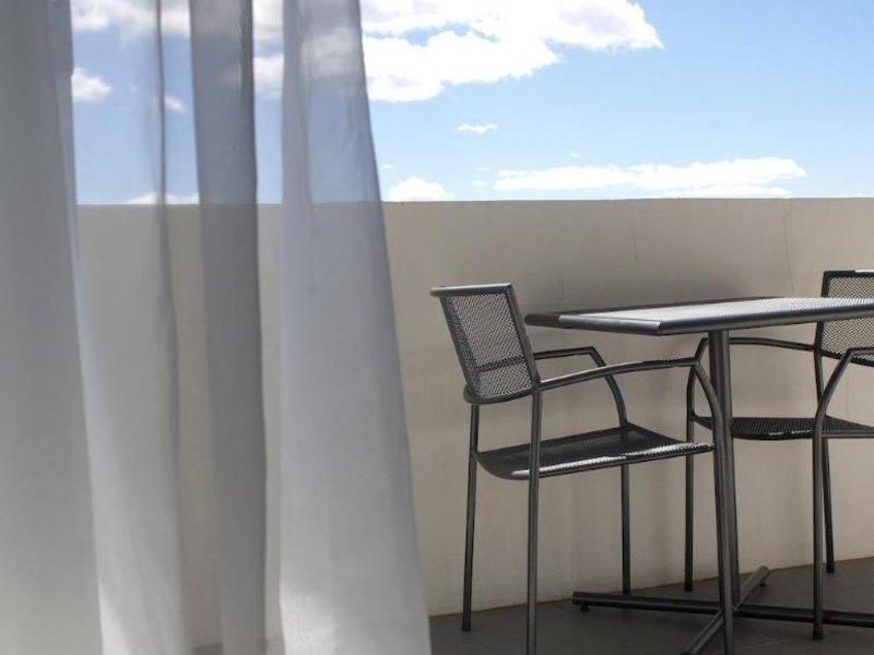 Abode Tuggeranong Terrasse