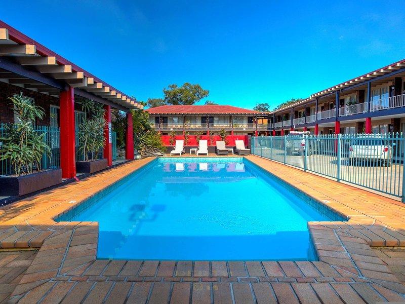 Best Western Zebra Motel Pool