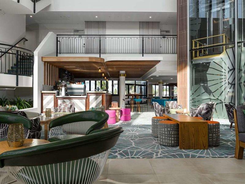 Sails Resort Port Macquarie by Rydges Bar