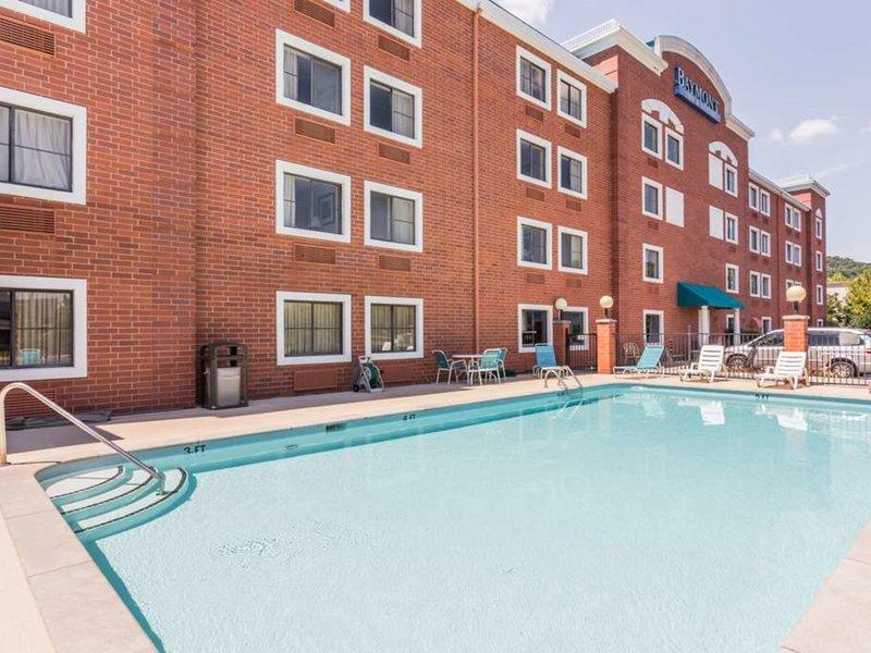 Baymont Inn & Suites Nashville / Brentwood Pool