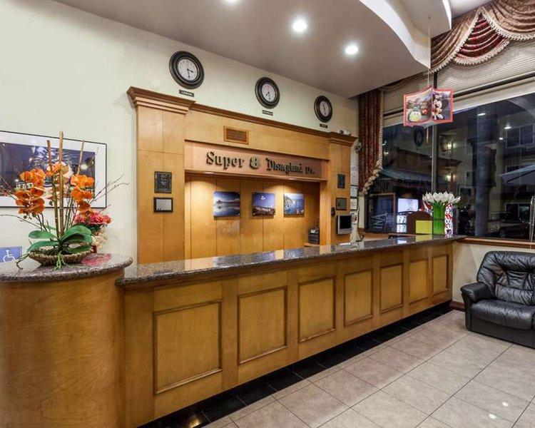 Super 8 Anaheim Disneyland Drive Lounge/Empfang
