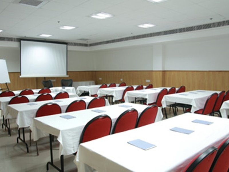 Hotel Chirag Residency Konferenzraum