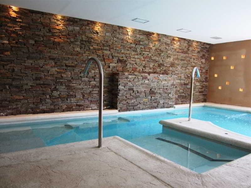 Howard Johnson Hotel & Convention Center Ezeiza Pool