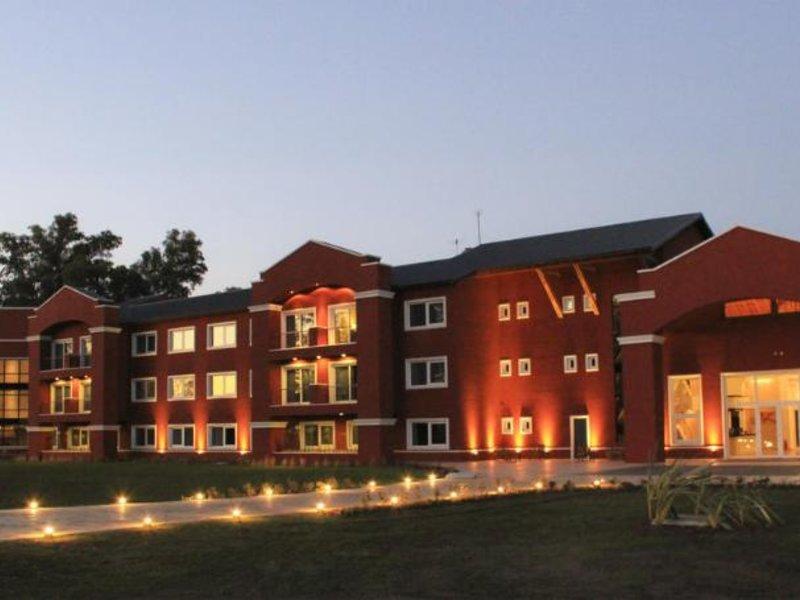 Howard Johnson Hotel & Convention Center Ezeiza Außenaufnahme