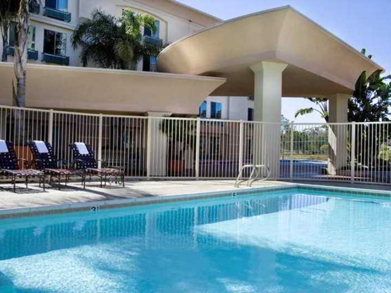 Hampton Inn San Diego Del Mar Pool