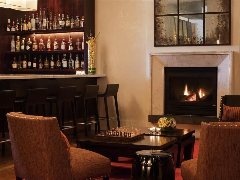 Hotel Lindrum Bar