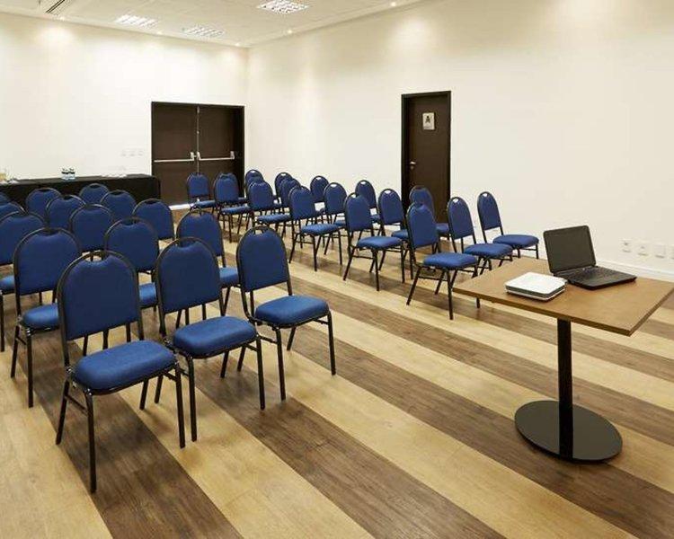 Tulip Inn Itaguai Konferenzraum