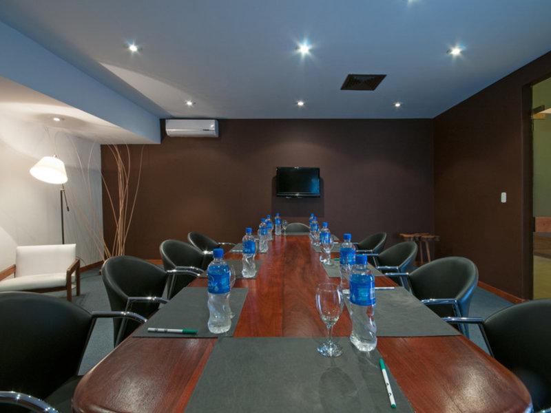 Raices Amambai Lodges  Konferenzraum
