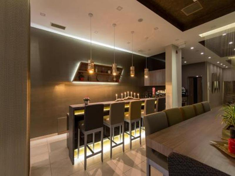 Residence Inn by Marriott Sarajevo Bar