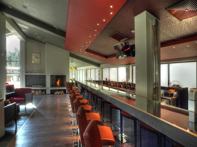 Euphoria Club Hotel & Spa Bar