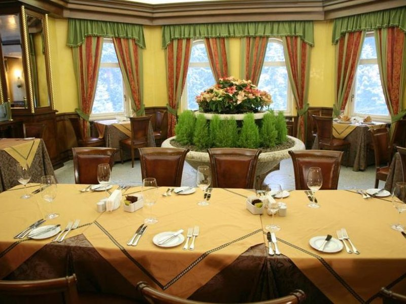 Festa Winter Palace Restaurant