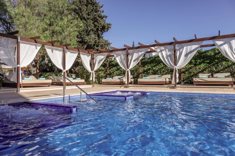 ZAFIRO Palma Nova Pool