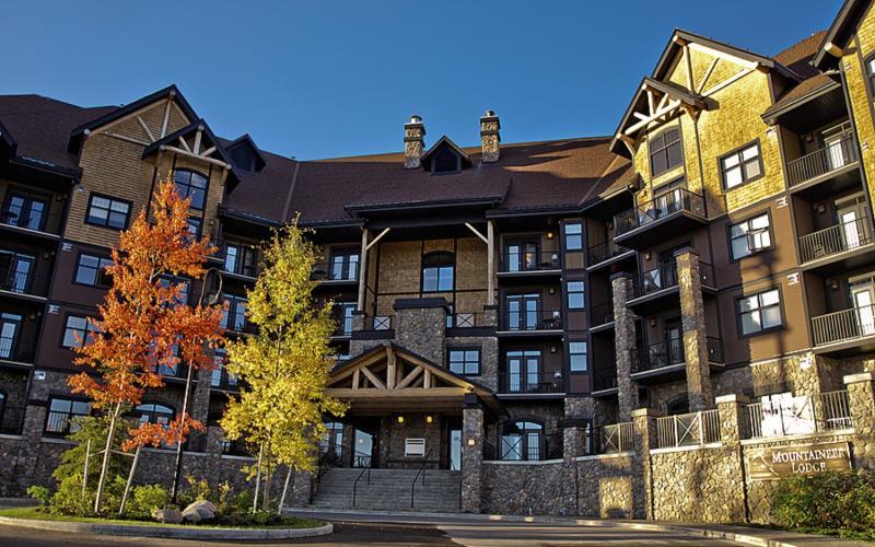 Glacier Mountain Lodge Außenaufnahme