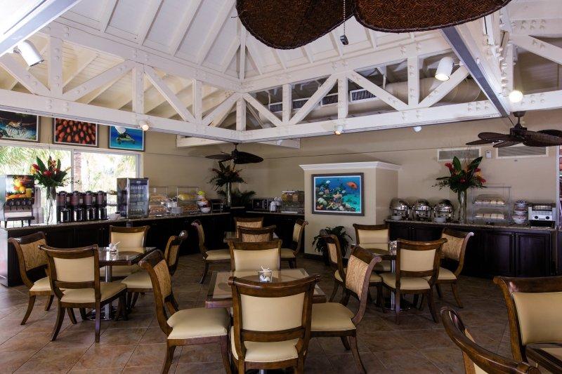 Comfort Suites Paradise Island Frühstücksraum