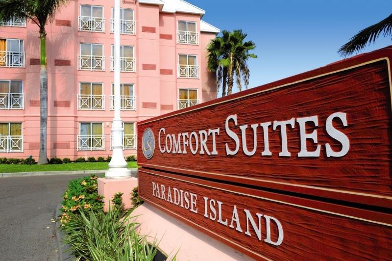Comfort Suites Paradise Island Außenaufnahme