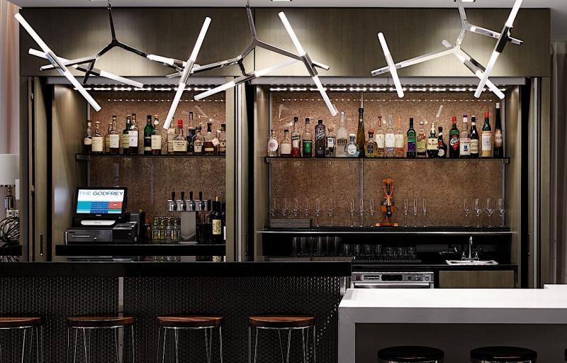 Godfrey Hotel Boston Bar