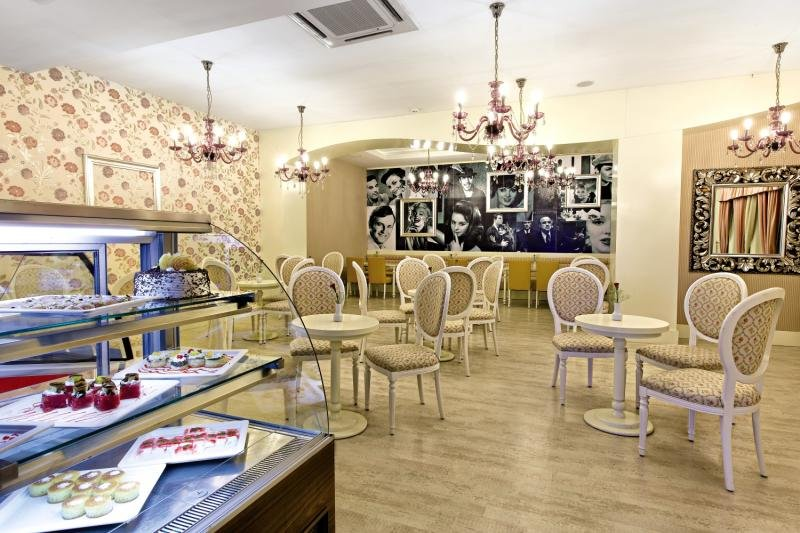Adalya Resort & Spa Bar