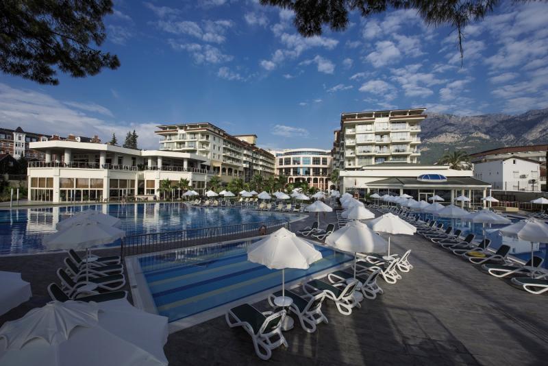 Barut Kemer Resort Pool