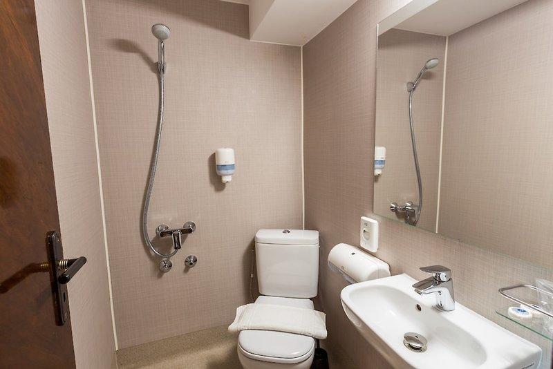 OnRiver Hotels Grand Jules Badezimmer