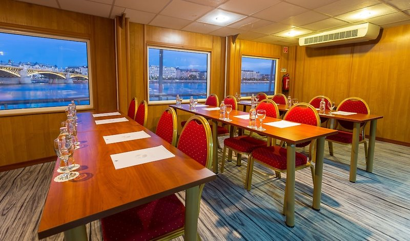 OnRiver Hotels Grand Jules Konferenzraum