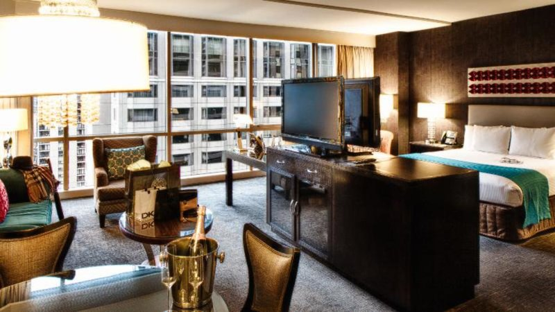 theWit, A DoubleTree By Hilton Bar