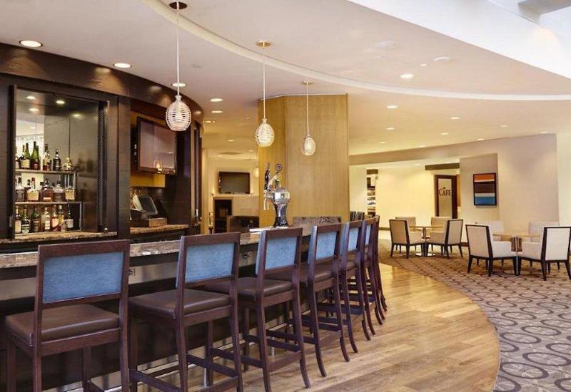 DoubleTree by Hilton Hotel Washington DC-Crystal City Bar