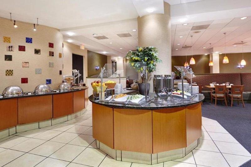 DoubleTree by Hilton Hotel Washington DC-Crystal City Restaurant