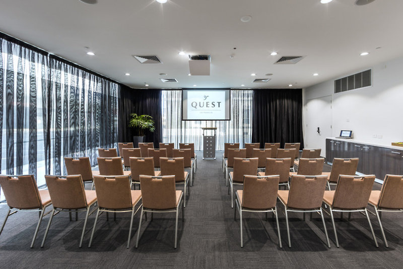 Quest Adelaide on Franklin Konferenzraum