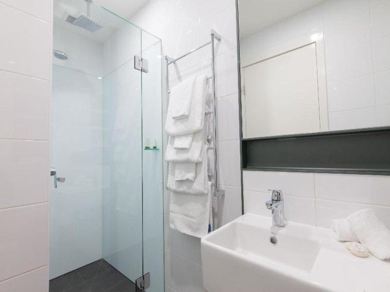 Abode St Kilda Studio Apartments by Easystay Badezimmer