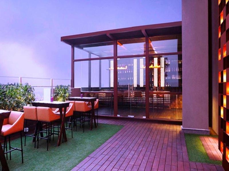 Hilton Garden Inn Gurgaon Baani Square Terrasse