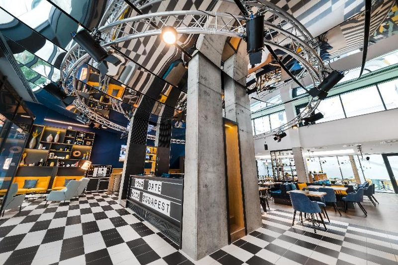D8 Hotel Lounge/Empfang