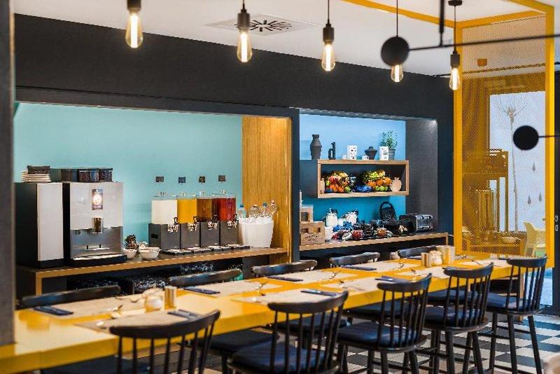 D8 Hotel Restaurant