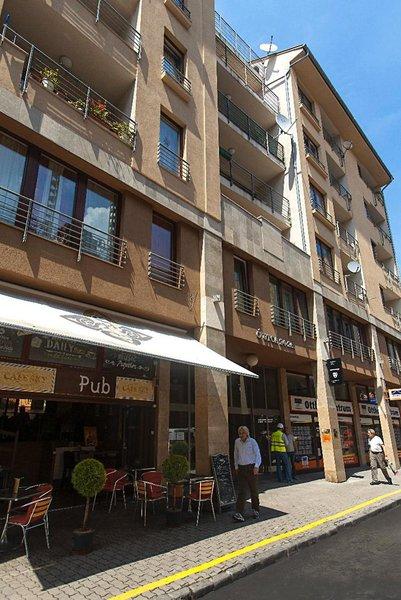 Broadway Hostel & Apartments Außenaufnahme