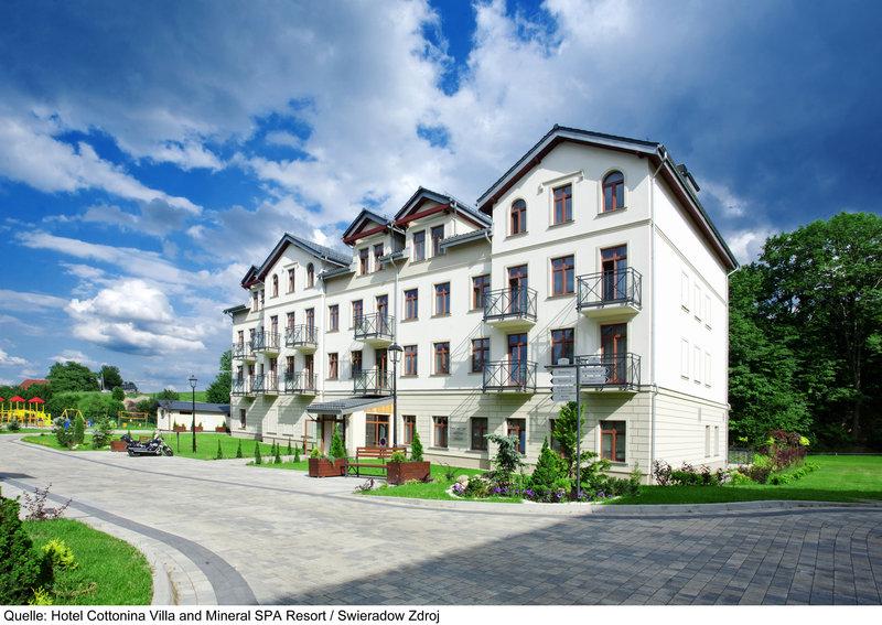 Cottonina Villa & Mineral Spa Resort Außenaufnahme