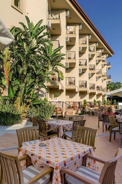 Victory Resort Hotel Terrasse