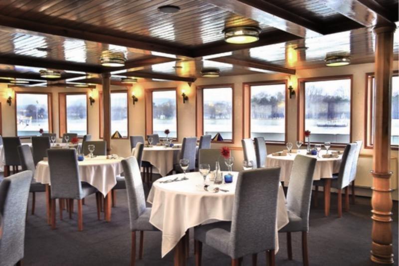 Fortuna Boat Hotel & Restaurant Budapest Restaurant