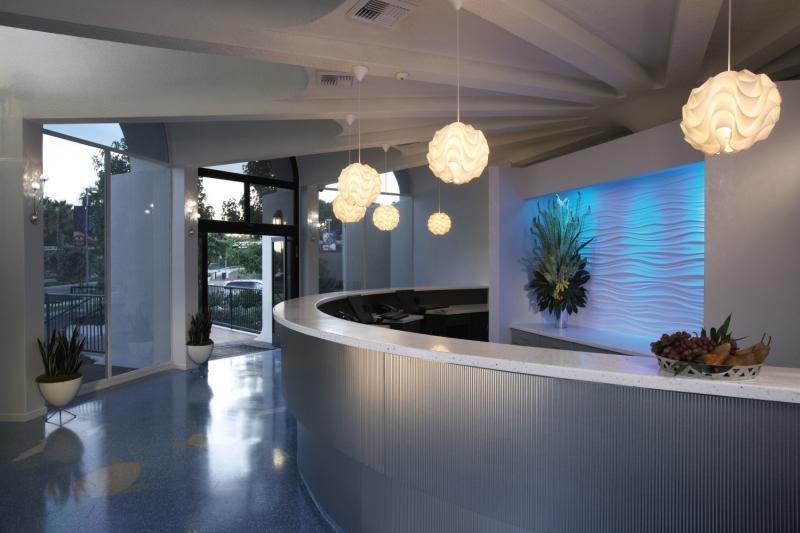 Howard Johnson Anaheim Hotel & Water Playground Hallenbad