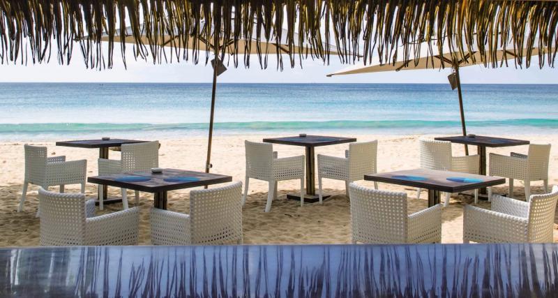 akyra Beach Club Phuket Terrasse