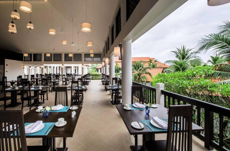 akyra Beach Club Phuket Restaurant